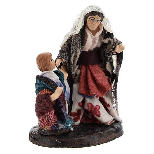 Mujer con niño para belén napolitano de 8 cm de altura media 3