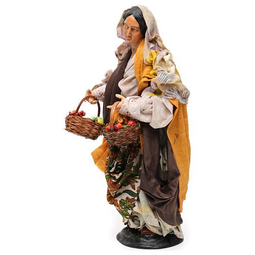 Donna con cesti di frutta e verdura per presepe Napoli stile '700 di 30 cm 3