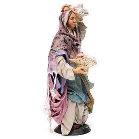 Donna con cesti di panni per presepe Napoli stile 700 di 30 cm s4