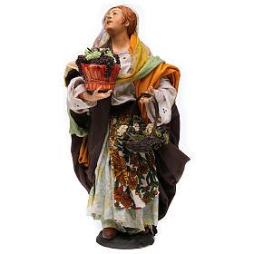 Donna con due cesti d'uva per presepe Napoli stile '700 di 35 cm s1