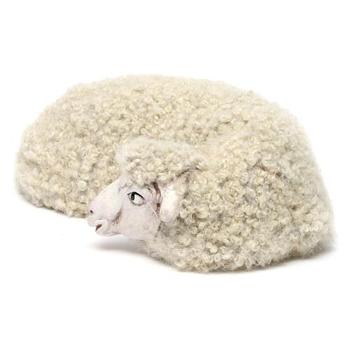 Pecora sdraiata con lana per presepe Napoli stile 700 di 35 cm 2