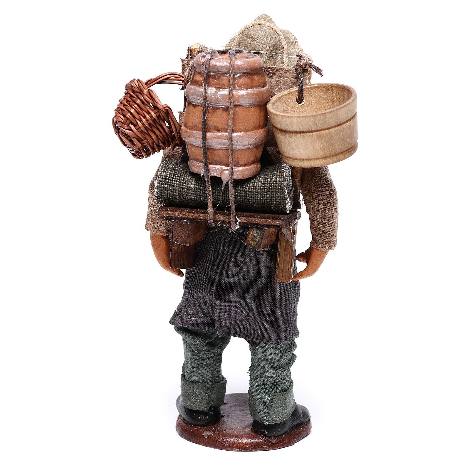 Uomo con botte di vino per presepe napoletano 12 cm 4