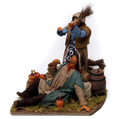 Moving woman beating her drunken husband Neapolitan Nativity Scene 30 cm 3