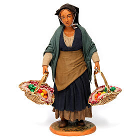 Donna con cesti di frutta per presepe napoletano 30 cm s1
