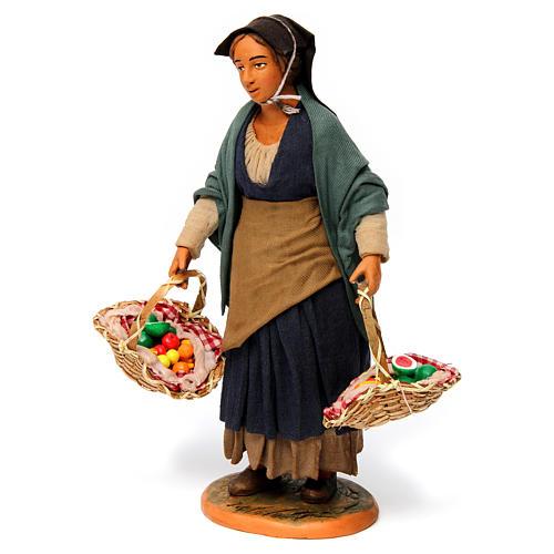 Donna con cesti di frutta per presepe napoletano 30 cm 2