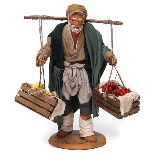 Uomo con due cesti di frutta e verdura per presepe napoletano 30 cm 1