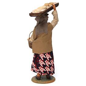 Mujer con cesta de pan para belén napolitano 30 cm de altura media s4