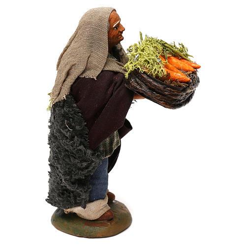 STOCK Pastore con cesto carote vestito in terracotta di 10 cm Presepe Napoletano 3