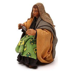 STOCK Donna seduta vestita con cucchiaio in terracotta cm 10 presepe napoletano s2
