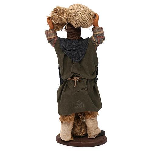 STOCK Uomo con sacchi vestito in terracotta 18 cm presepe napoletano 5