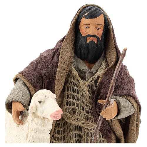 Pastor árabe de rodillas con ovejita 14 cm 2