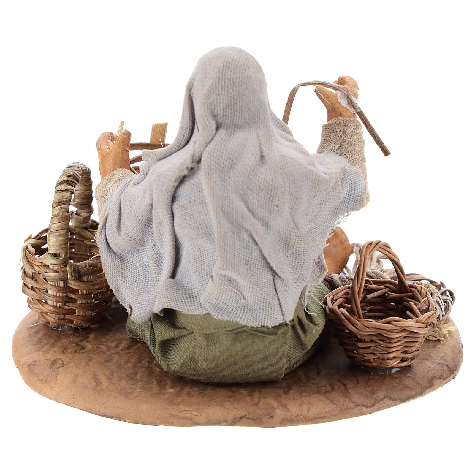 Seated basket repairer in resin Nativity scenes 14 cm 4