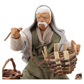 Seated basket repairer in resin Nativity scenes 14 cm s2