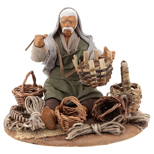 Seated basket repairer in resin Nativity scenes 14 cm 1