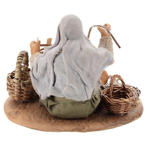 Seated basket repairer in resin Nativity scenes 14 cm 5