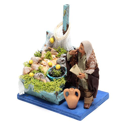 Fisherman with fish counter of 10x10x10 cm for Neapolitan Nativity Scene of 10 cm 2