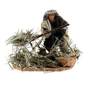 Farmer shoveling straw, 8 cm Neapolitan nativity terracotta s1