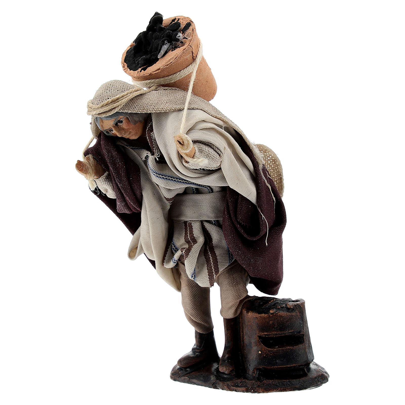 Homme avec sceau charbon 8 cm terre cuite crèche napolitaine 4