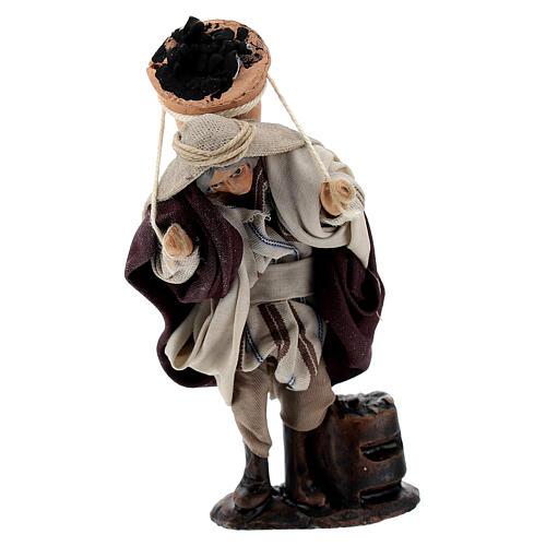 Homme avec sceau charbon 8 cm terre cuite crèche napolitaine 1
