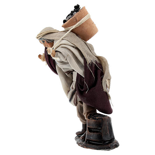 Man carrying coal bucket terracotta, 8 cm Neapolitan nativity 3