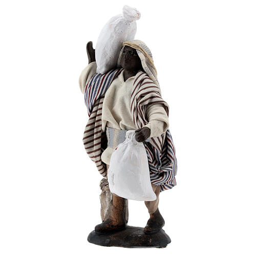 Black man carrying sacks terracotta, 12 cm Neapolitan nativity 3