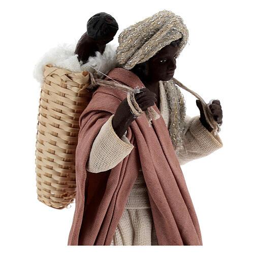 Mulher africana com bebé na cesta para presépio napolitano com figuras de altura média 13 cm 2