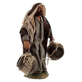 Pastor carregando barris presépio napolitano com figuras de altura média 10 cm s3