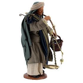 Pastor com balança e cesto para presépio napolitano com figuras de altura média 13 cm s4