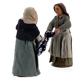 Femmes qui plient un drap crèche Naples 10 cm s4