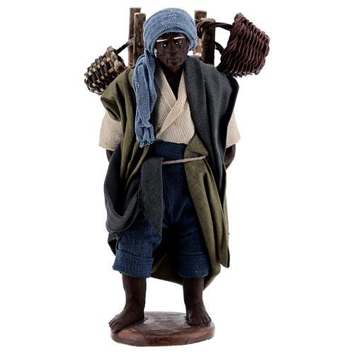 Vendedor ambulante africano para presépio napolitano com figuras de altura média 13 cm 1