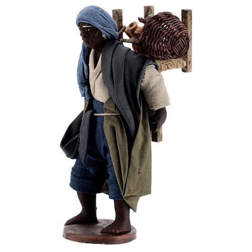 Vendedor ambulante africano para presépio napolitano com figuras de altura média 13 cm 3