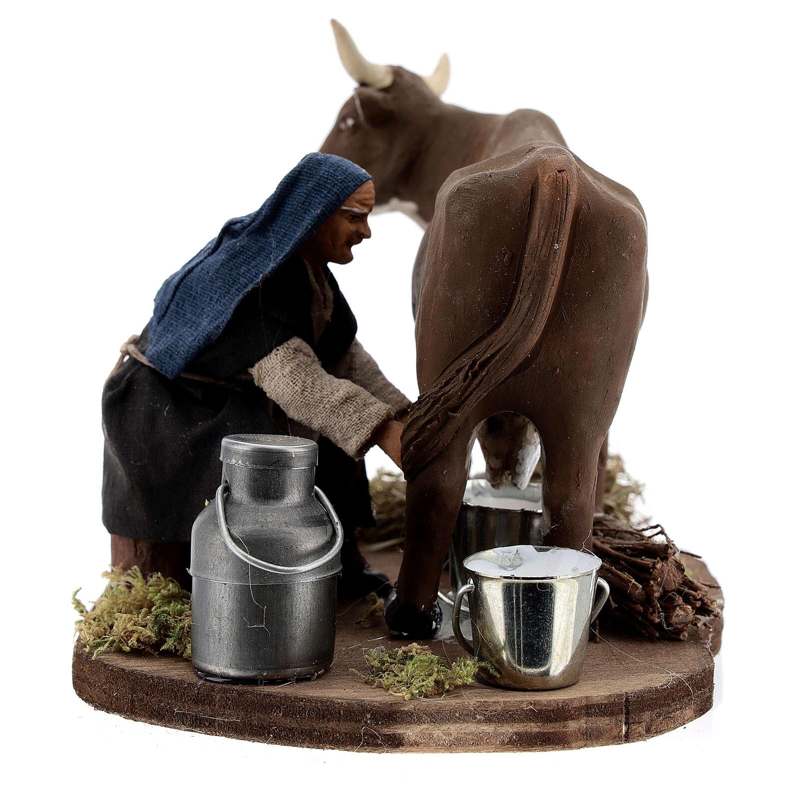 Pastor ordenhando vaca para presépio napolitano com figuras de altura média 10 cm 4