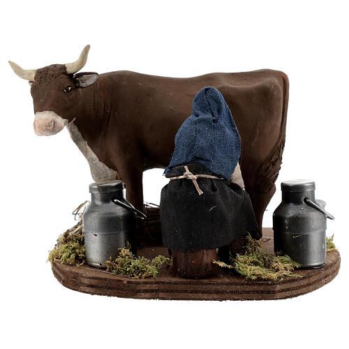 Pastor ordenhando vaca para presépio napolitano com figuras de altura média 10 cm 1