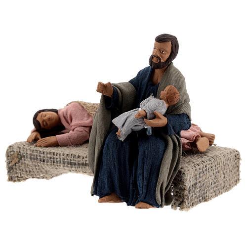 Sacra Famiglia sdraiata scena presepe napoletano 13 cm 3