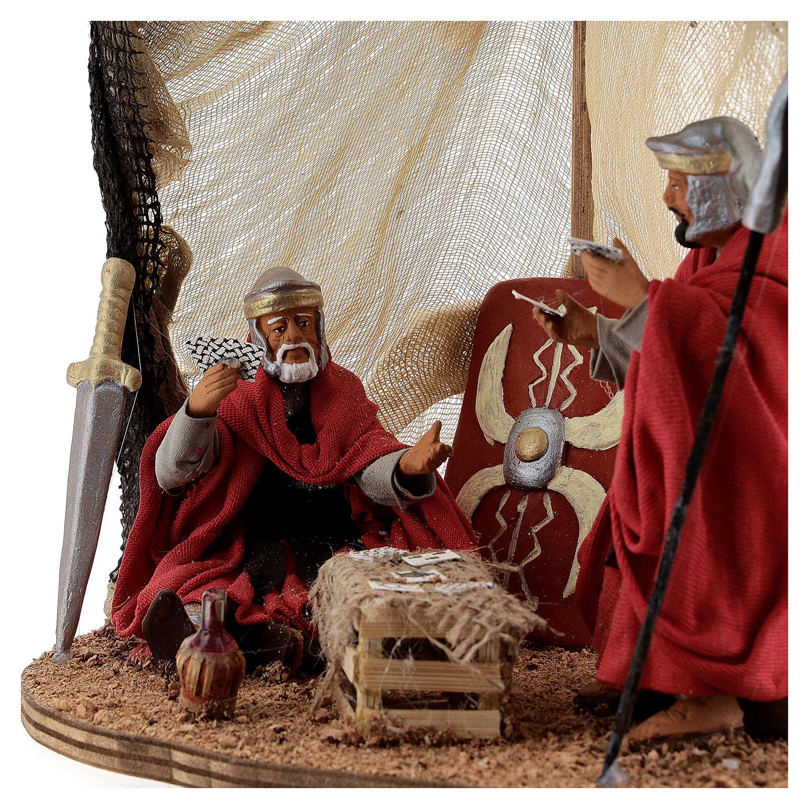 Tenda soldados romanos jogando para presépio napolitano com figuras altura média 13 cm 4