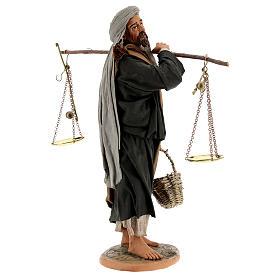 Pastor com balança e cesto para presépio napolitano com figuras de altura média 30 cm s5