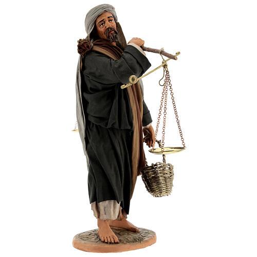 Pastor com balança e cesto para presépio napolitano com figuras de altura média 30 cm 1