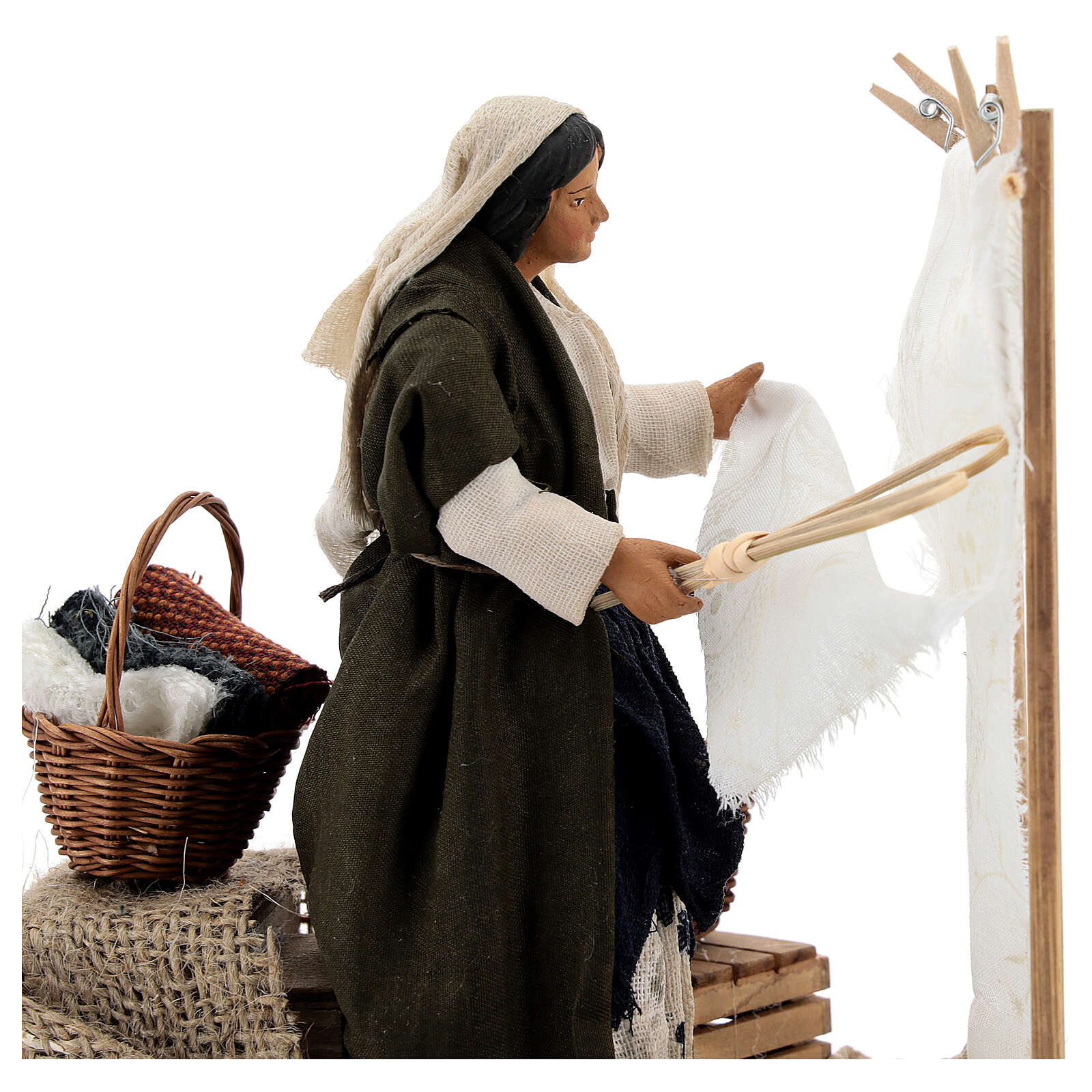 Woman beating clothes for Neapolitan Nativity Scene with 14 cm figurines 4