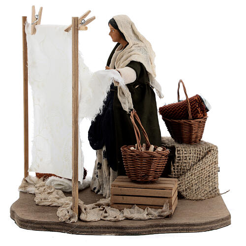Woman beating clothes for Neapolitan Nativity Scene with 14 cm figurines 1