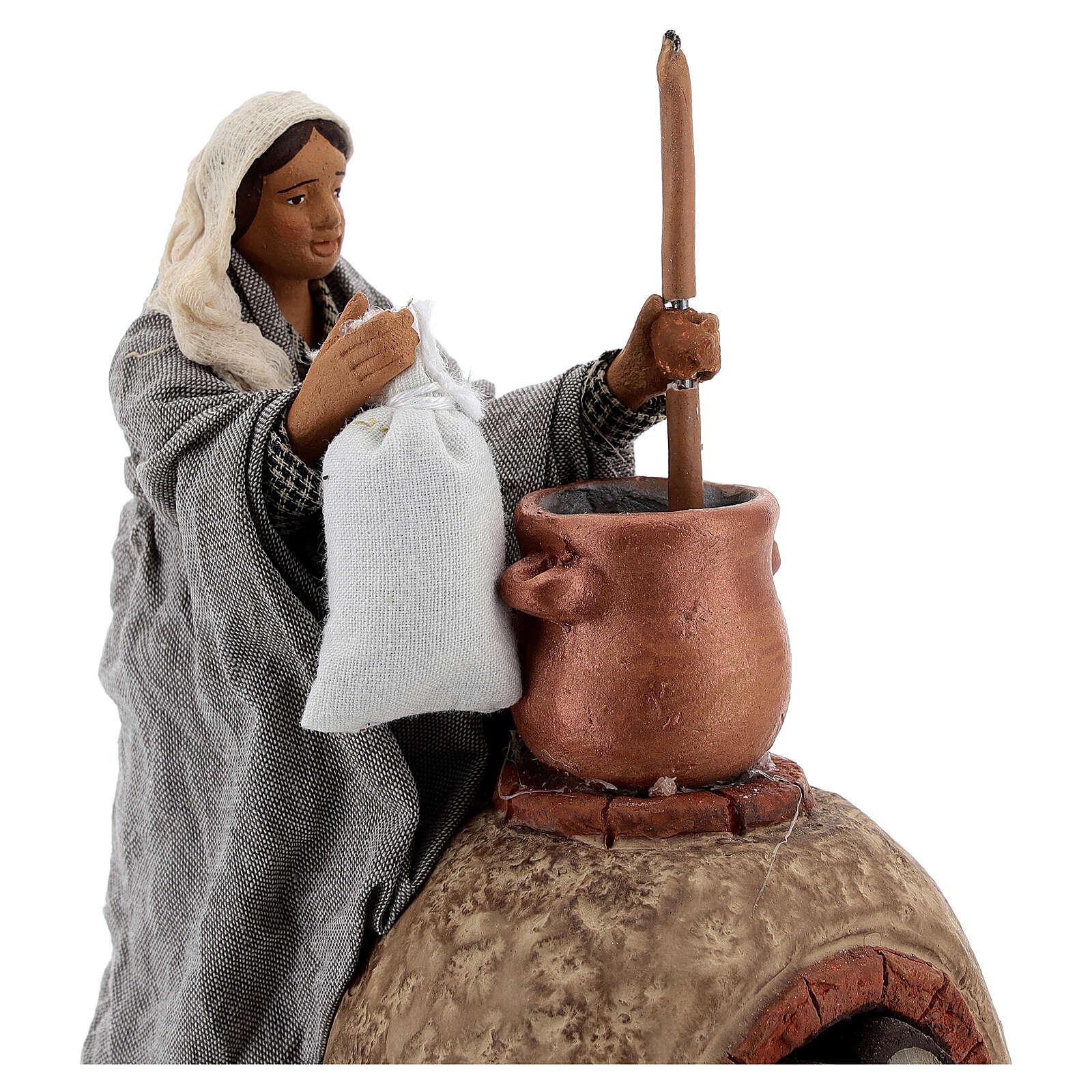 Mulher cozinhando polenta movimento para presépio napolitano com figuras de altura média 24 cm 4