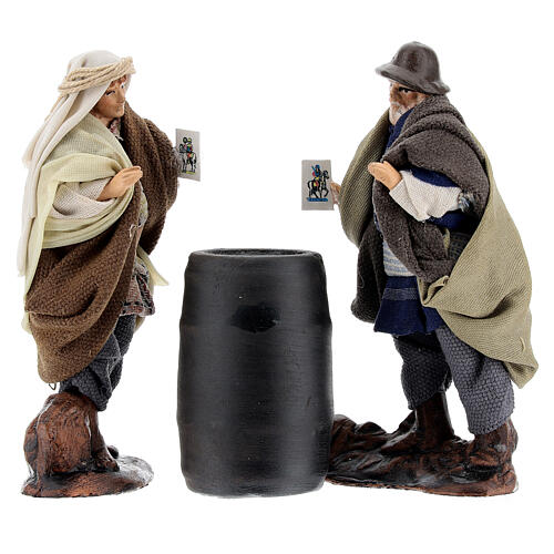 Men playing cards with barrel, Neapolitan nativity terracotta 8 cm 1
