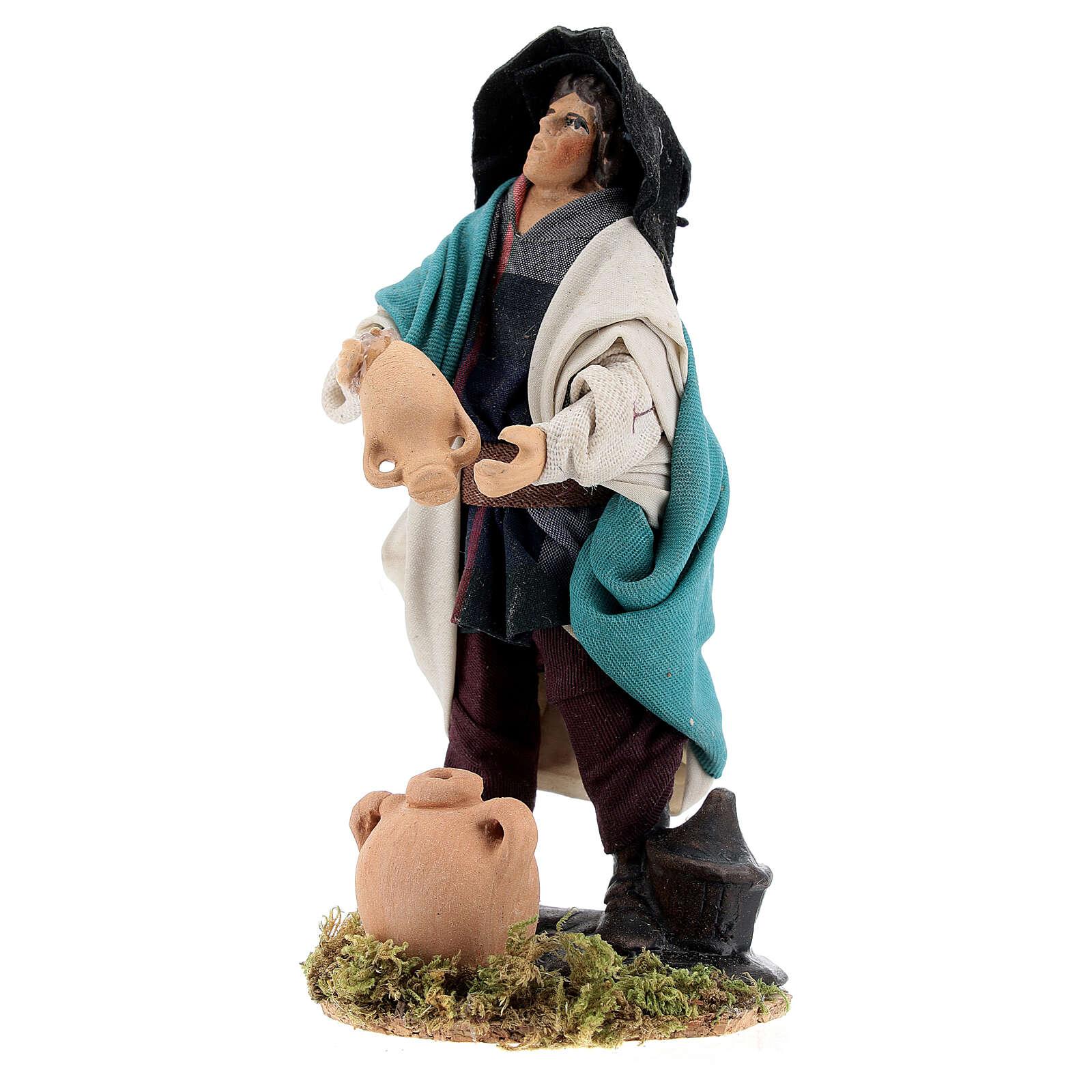 Homem esvaziando jarro estátua terracota para presépio napolitano com figuras altura média 12 cm 4