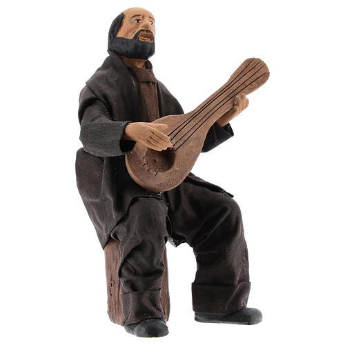 Músico sentado com bandolim para presépio napolitano com figuras de altura média 13 cm 3