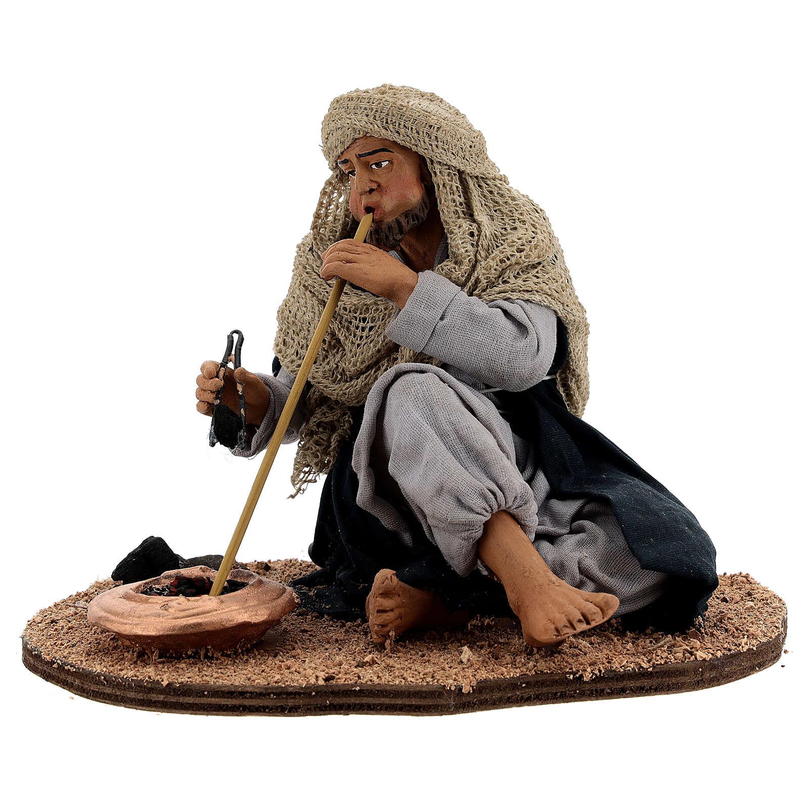 Man blowing a fire figurine 30 cm Neapolitan nativity 4