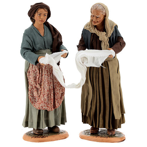 Mulheres torcendo um pano para presépio napolitano com figuras de altura média 30 cm 1
