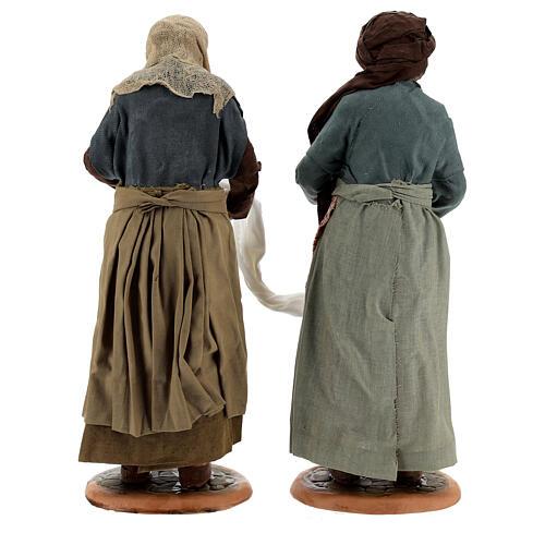 Mulheres torcendo um pano para presépio napolitano com figuras de altura média 30 cm 6