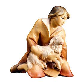 Pastore inginocchiato con agnello presepe Original Redentore legno dipinto in Valgardena 10 cm s1
