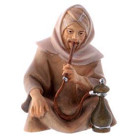 Belén Val Gardena: Pastor sentado con pipa y agua belén Original Cometa madera pintada en Val Gardena 12 cm de altura media