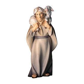 Pastore con pecora sulle spalle presepe Original Cometa legno dipinto in Val Gardena 10 cm s1