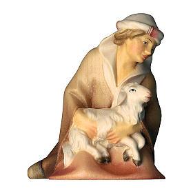 Pastore inginocchiato con agnello per presepe Original Cometa legno dipinto in Valgardena 12 cm s1
